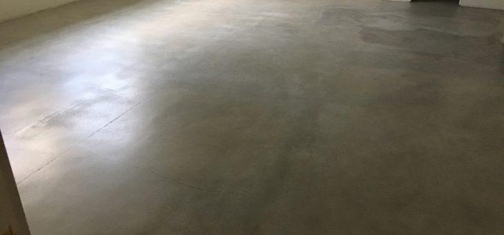 Basement floor polishing
